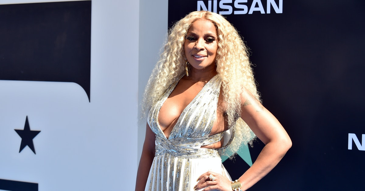 Mary J. Blige's 2019 BET Awards Performance Included Cameos From Lil Kim & Method Man