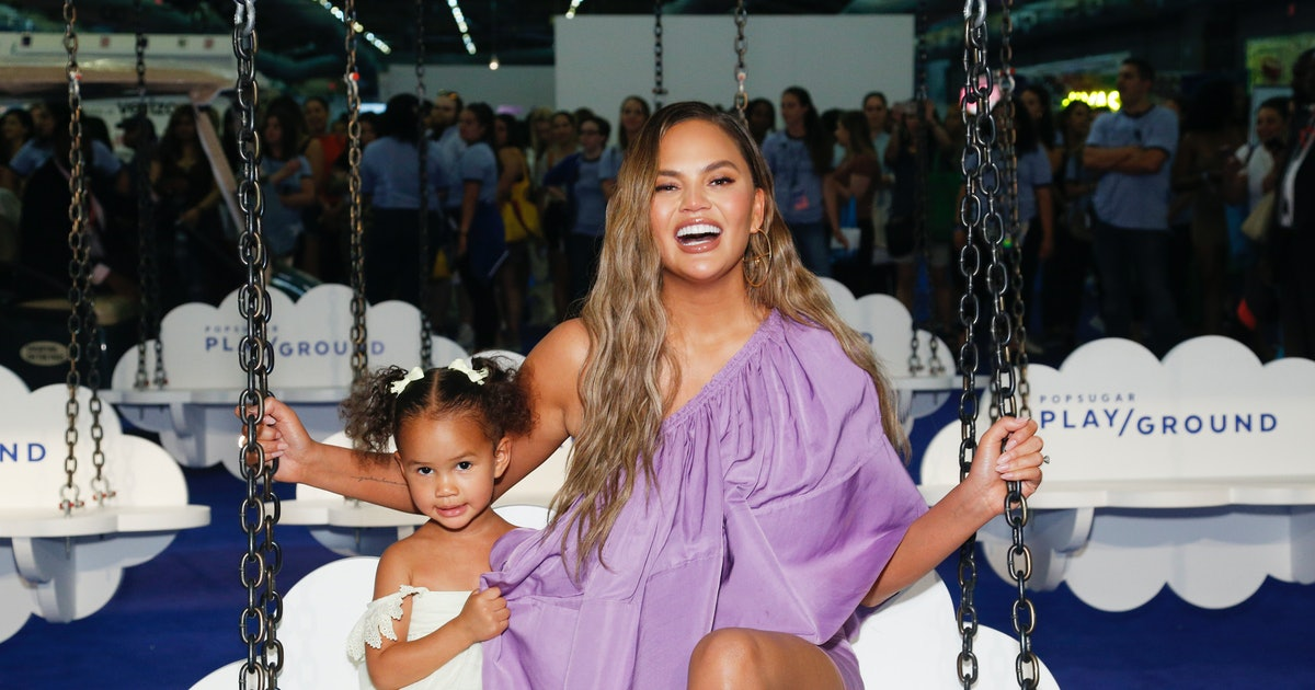 Chrissy Teigen's Response To Criticism For Painting Luna's Nails Is So Sassy