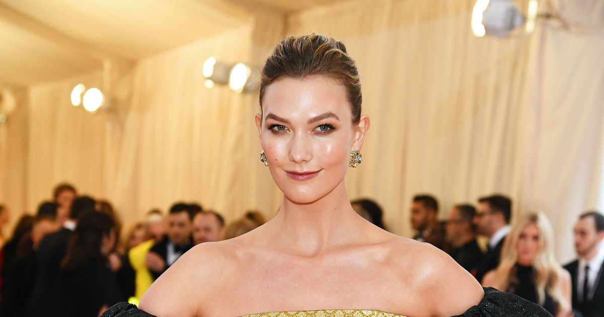 Karlie Kloss Shut Down Pregnancy Speculation In A Way That Focused On Self-Love — PHOTO