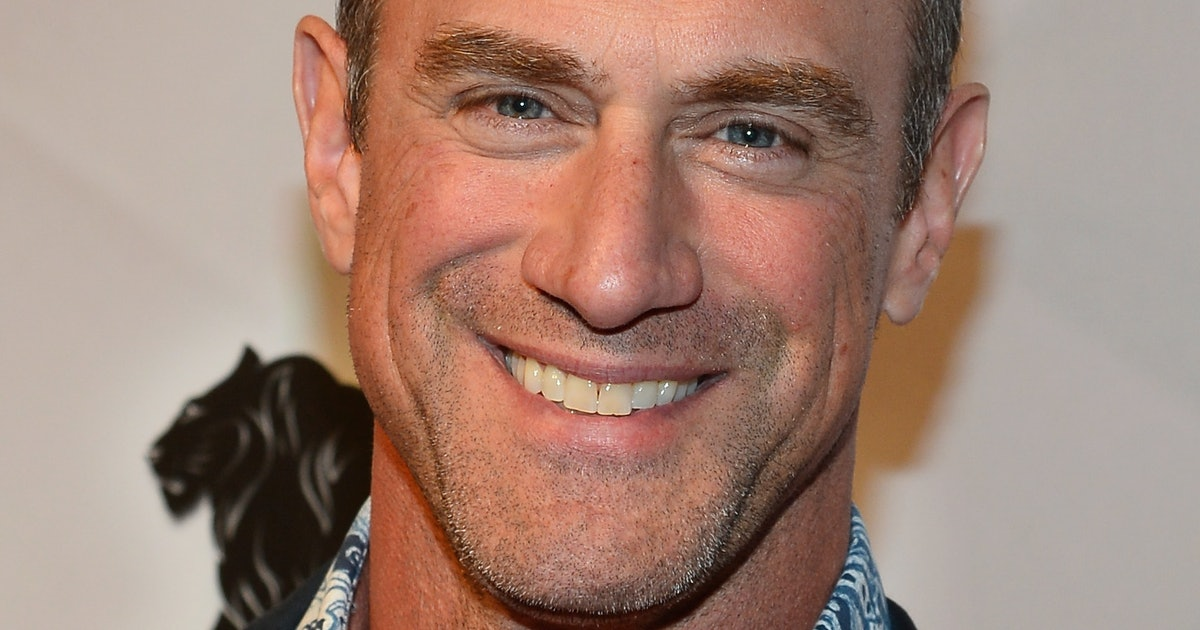 11 Tweets About Christopher Meloni On 'The Handmaid's Tale' That Will Leave You ROFL