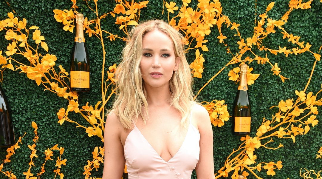 47422dd7 Jennifer Lawrence's Veuve Clicquot Dress Looked So Different During Fashion  Week