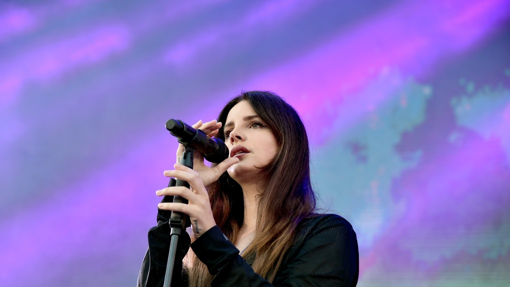 Lana Del Rey's Birth Chart Reveals She's A Cancer Through