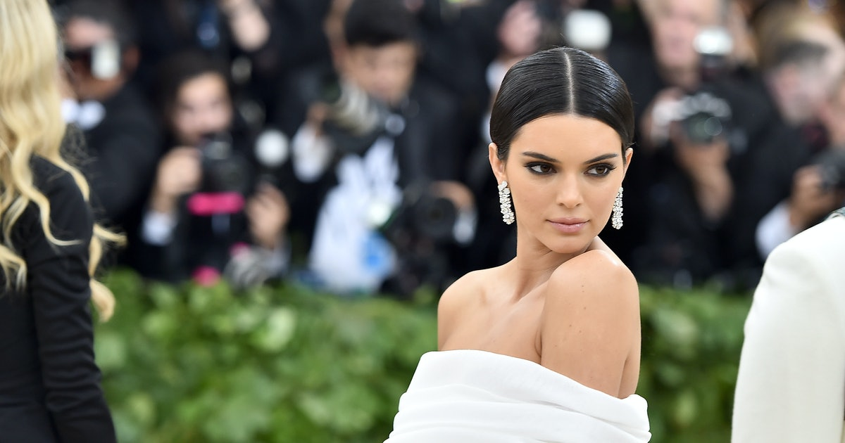 Kendall Jenner's Flip Flops Will Convince You To Resurrect The Throwback Trend