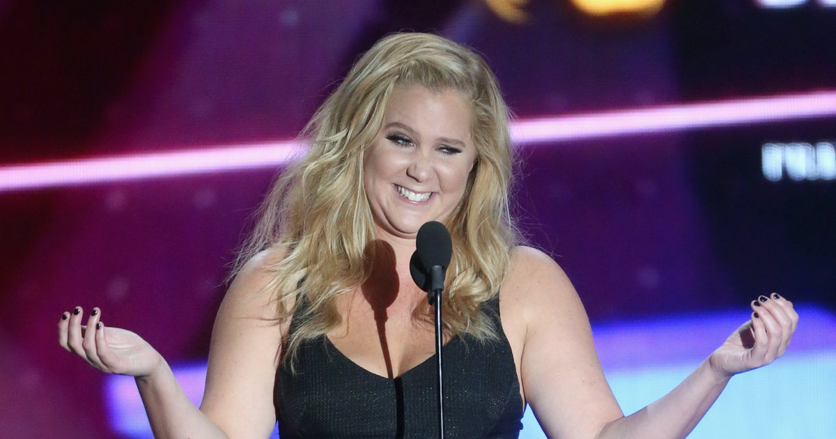 Amy Schumer's First Postpartum Period Has Arrived & The New Mom Couldn't Be Happier