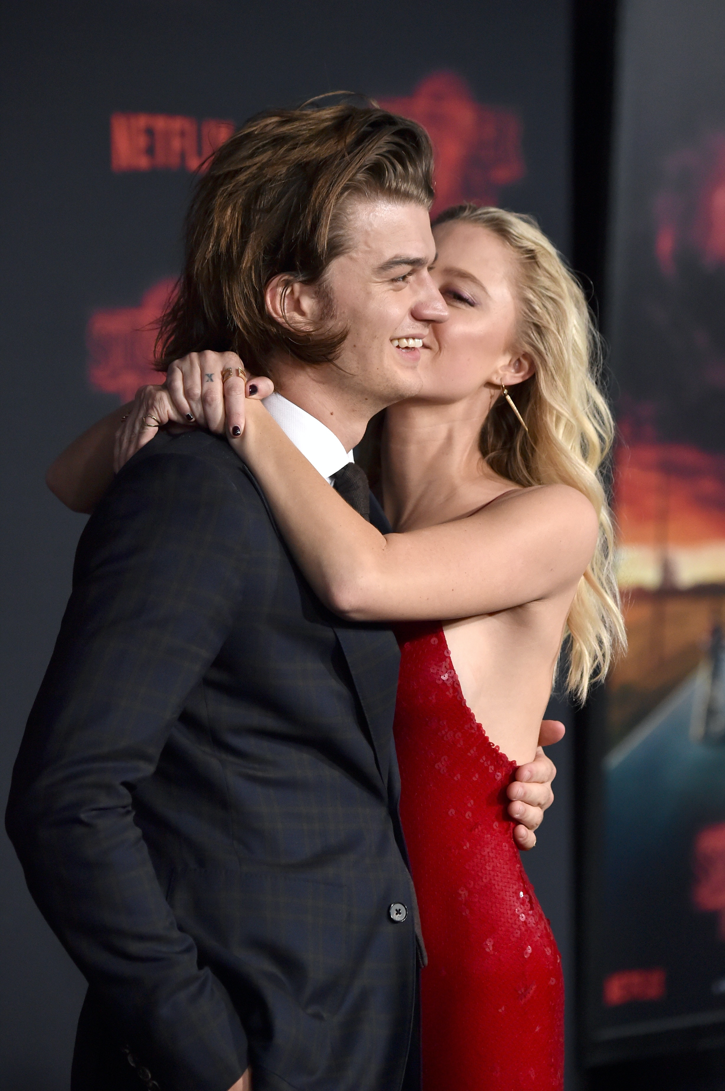 Who Is Joe Keery Dating The Stranger Things Actor S Girlfriend Is A Total Star Do you wish to know more about this young and very successful actor's dating life, net worth and age? who is joe keery dating the stranger