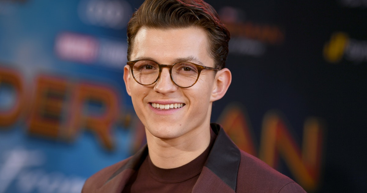Tom Holland May Be Dating Someone New & 'Spider-Man' Fans Are Freaking Out On Twitter