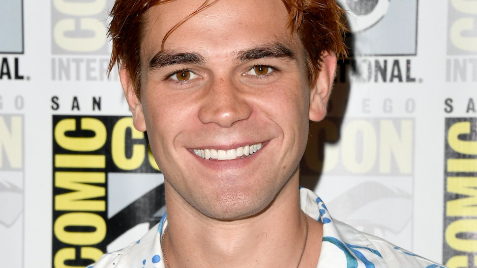 Are Kj Apa Britt Robertson Dating The Pair Is Sparking Romance
