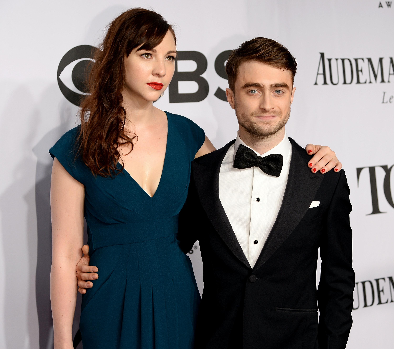 Radcliffe dating 17 regels van Celestial dating