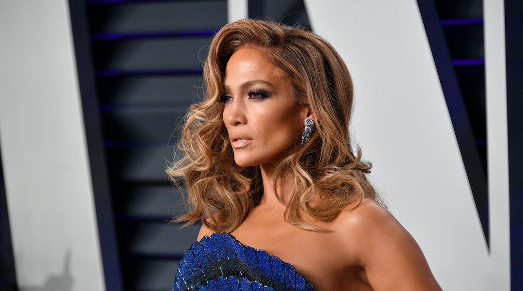 Jennifer Lopez S Sunglasses Made A Convincing Case For Granny Inspired Glam This Summer