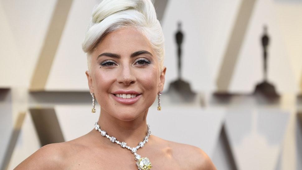 """Лејди Гага доби тужба за плагијат на песната """"Shallow"""""""