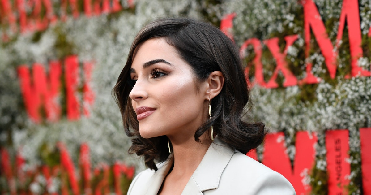Olivia Culpo's Crochet Cover-Up Is The Most Genius Beach Accessory