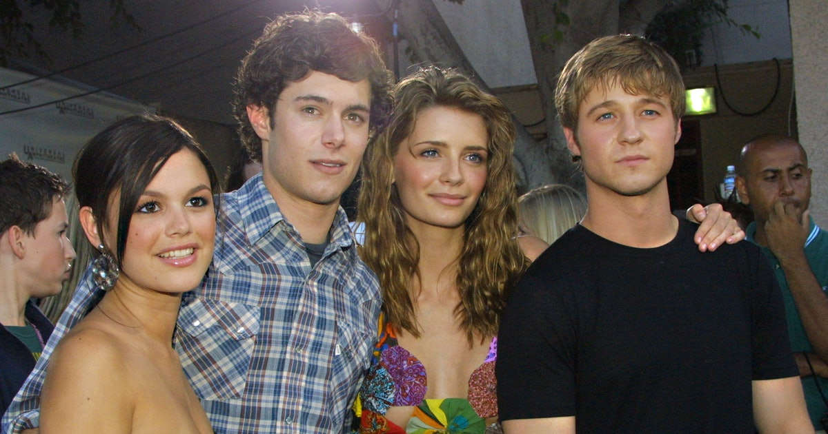 Rachel Bilson & Adam Brody's 'O.C.' Reunion Featured A Perfect Callback To The Iconic Show — PHOTO