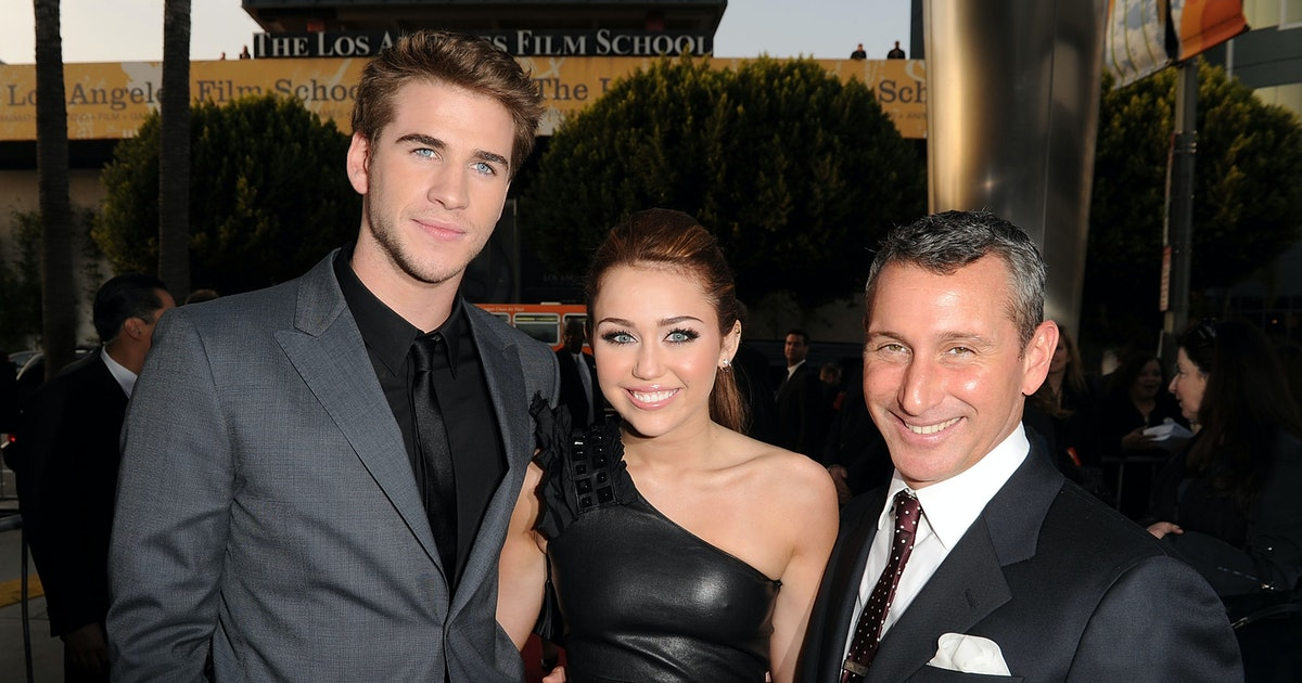 Miley Cyrus & Liam Hemsworth's Split Got A Sincere Reaction From 'The Last Song' Producer