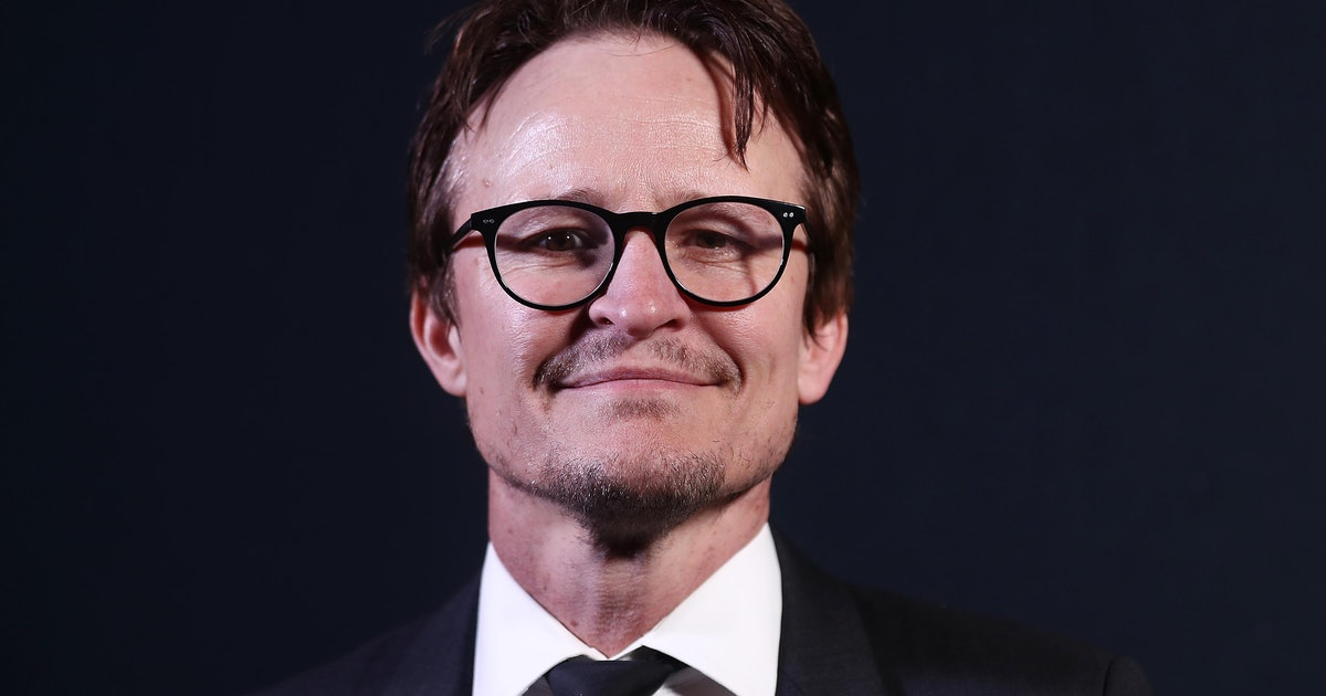 Who Plays Charles Manson On 'Mindhunter' Season 2? Damon Herriman Has Played The Part Before
