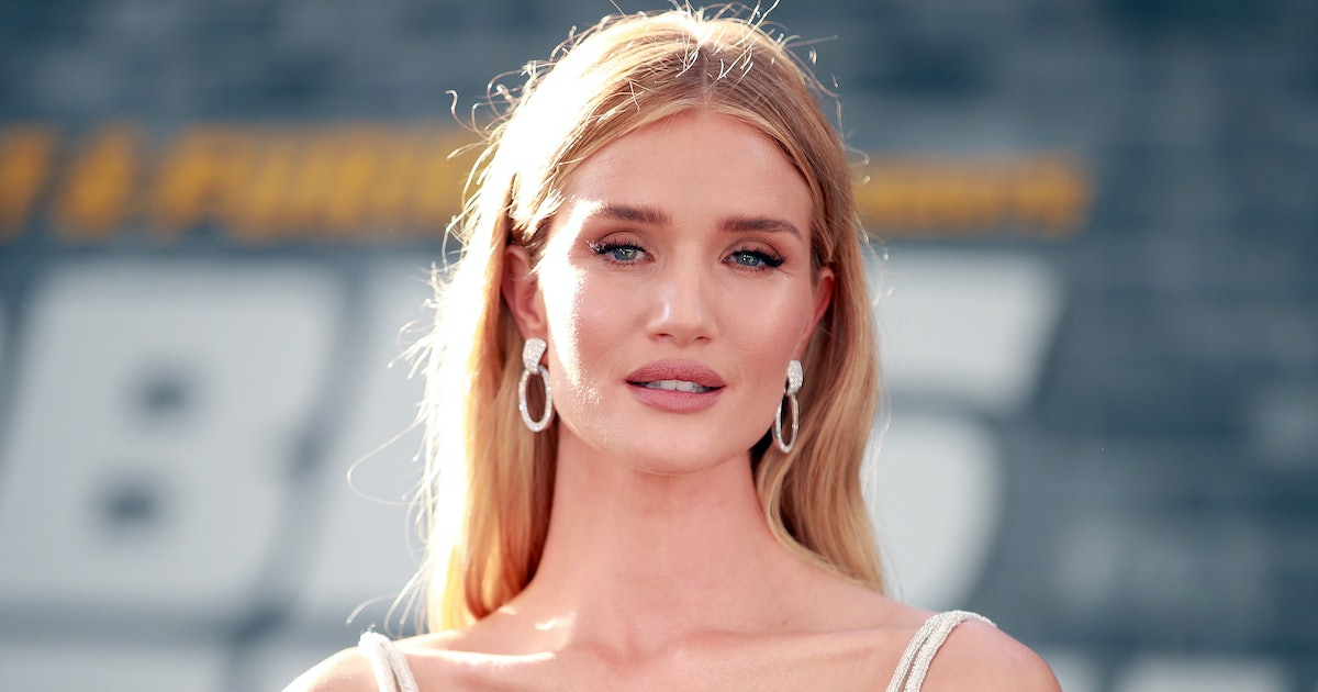 Rosie Huntington-Whiteley's Nude Bodysuit Is The $20 Basic To Carry Into Fall