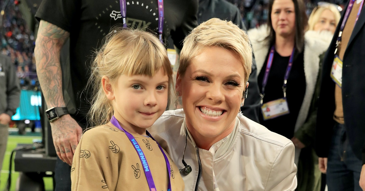 Pink Dyed Her Daughter's Hair Blue To Support Jessica Simpson