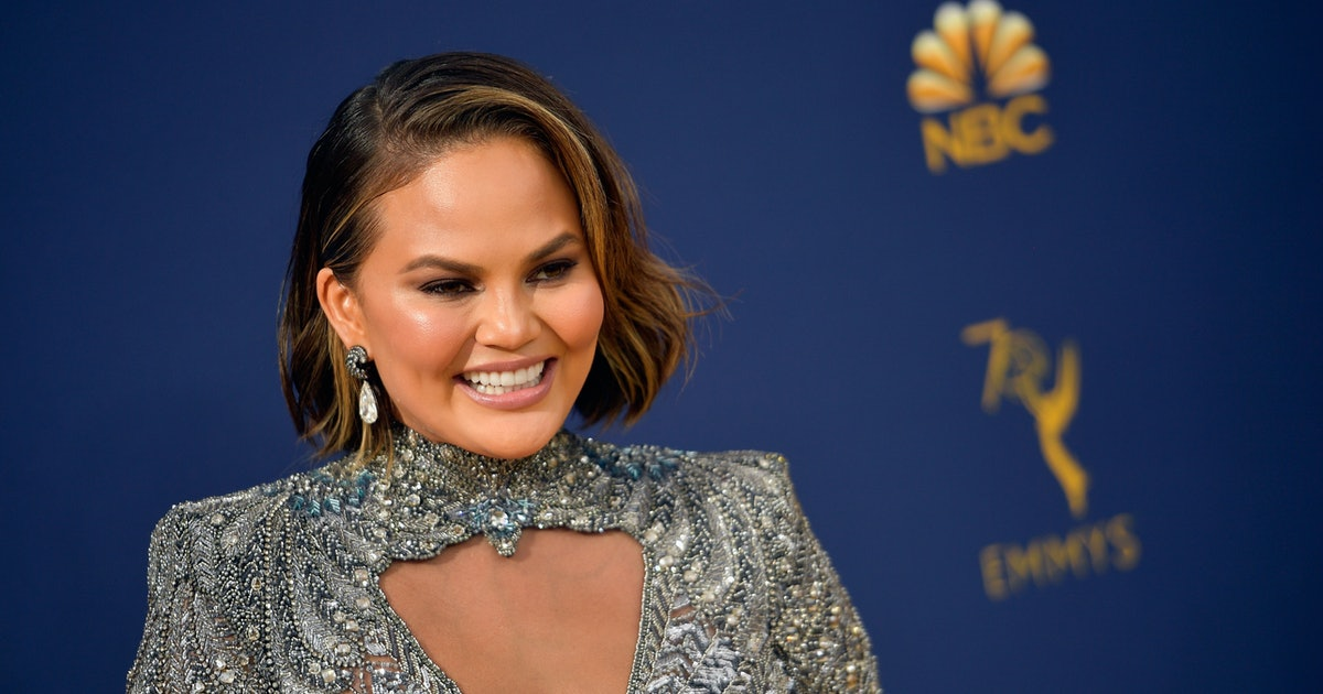 Chrissy Teigen's Go-To Vacation Bag Is Surprisingly Affordable
