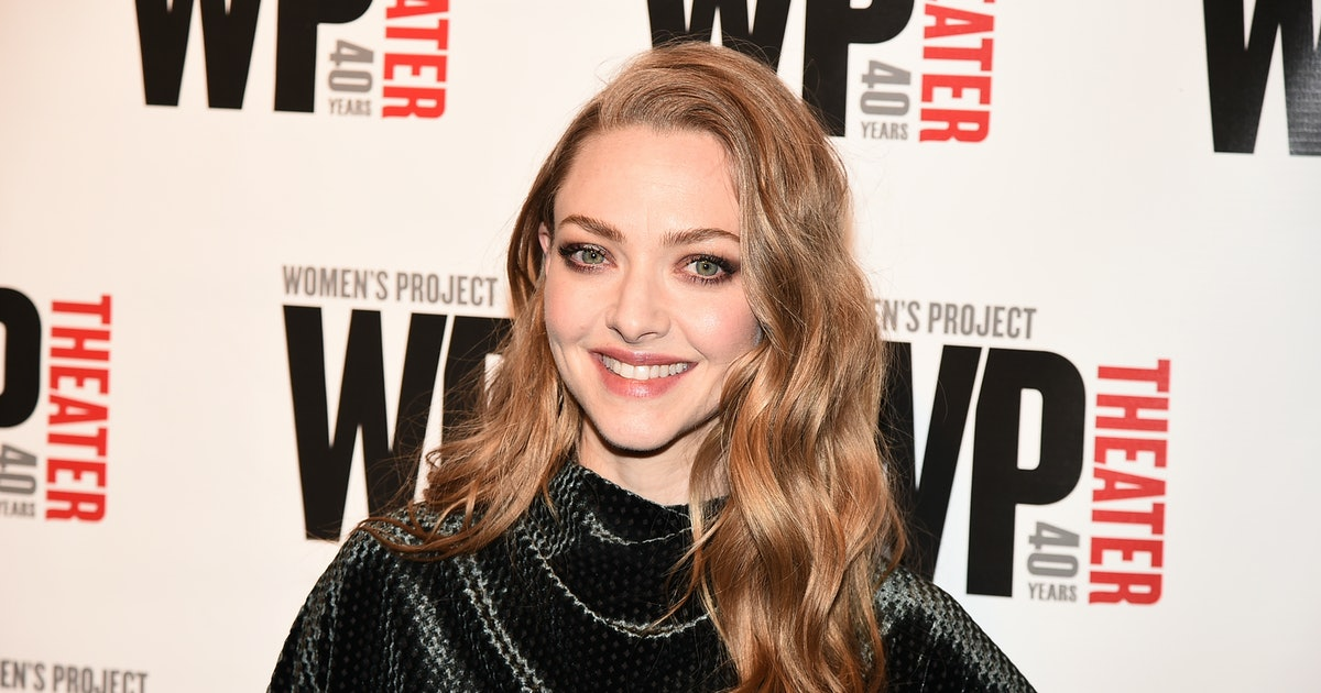 """Amanda Seyfried's Throwback Breastfeeding Photo Is A Sweet Tribute To Her """"Favorite Day"""""""