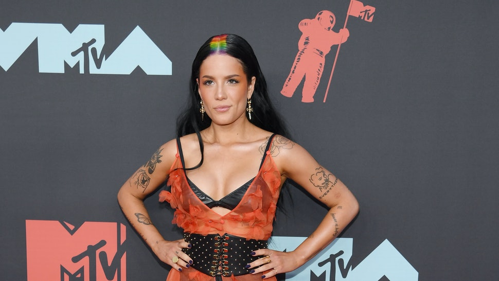 Halsey S 2019 Mtv Vmas Outfit Was Kind Of Naked Kind Of