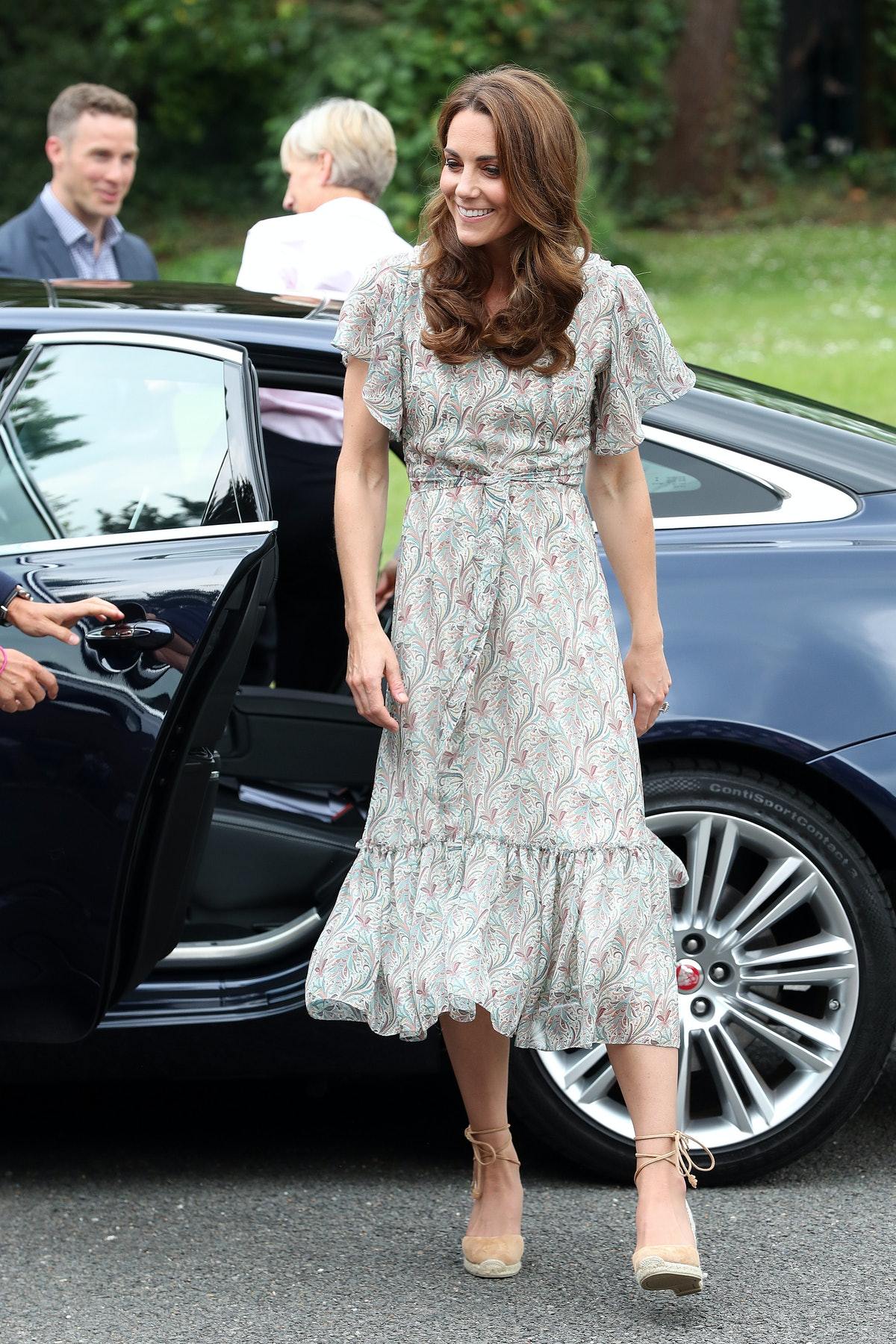 KINGSTON, ENGLAND - JUNE 25: Catherine, Duchess of Cambridge joins a photography workshop for Action...