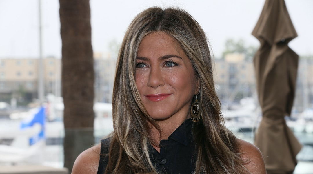"""MARINA DEL REY, CALIFORNIA - JUNE 11: Jennifer Aniston attends a photocall of Netflix's """"Murder Mystery"""" at the Ritz Carlton Marina Del Rey on June 11, 2019 in Marina del Rey, California. (Photo by David Livingston/Getty Images)"""