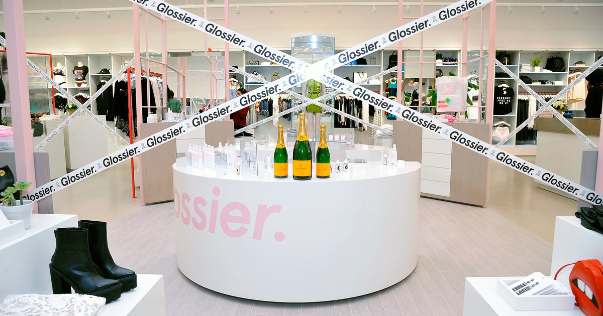 Glossier's New London Pop Up Shop Will Let You Try Out All Your Faves IRL