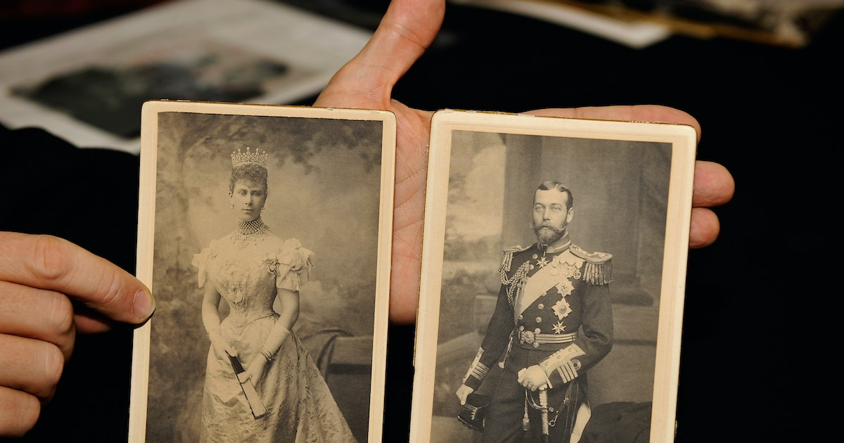 The King & Queen's Visit In The 'Downton Abbey' Movie Was Inspired By A Real Royal Event