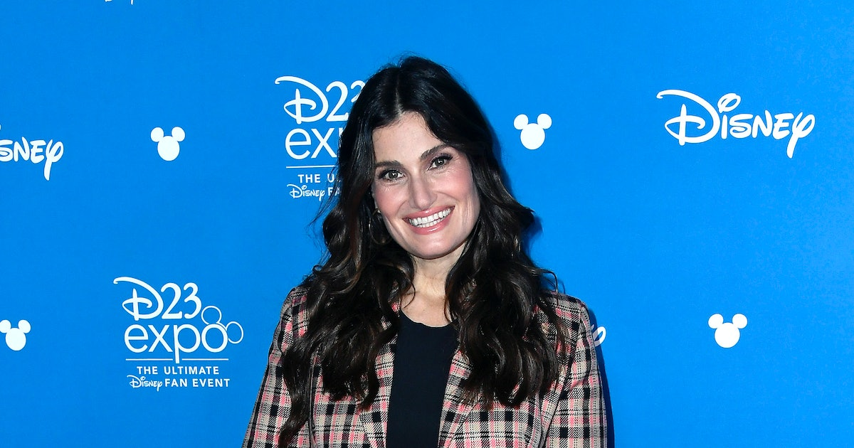 """Idina Menzel Revealed 'Frozen 2' Will Be All About Elsa's Self-Discovery & Teased The New """"Let It Go"""""""