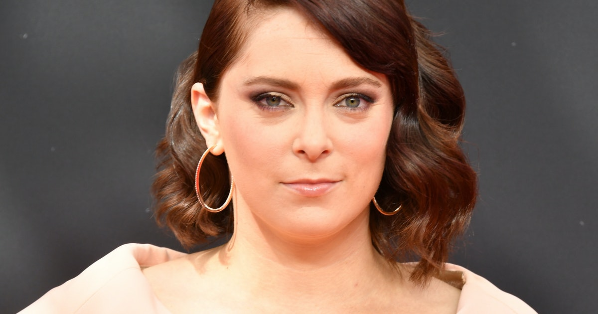 Rachel Bloom's Pregnancy Announcement & Emmy Win Made A Statement About Women's Success