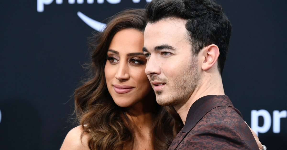 Kevin Jonas Gave Danielle A Puppy, Putting All Other Gifts To Shame — PHOTOS