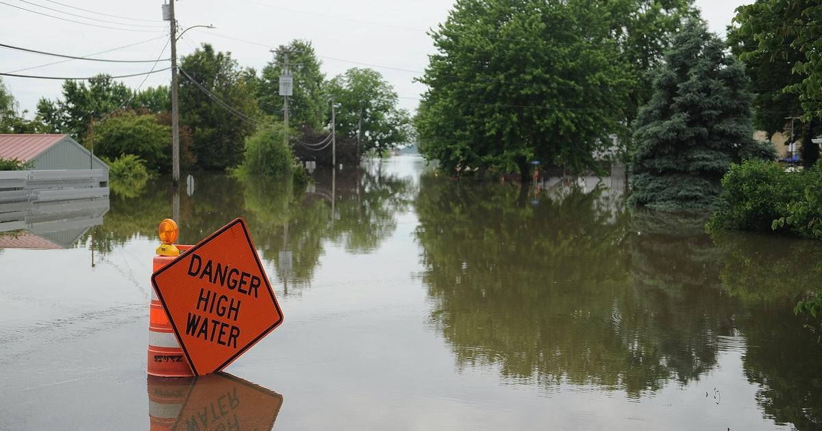 This Flood Preparedness Checklist Lays Out What To Do Ahead Of A Storm