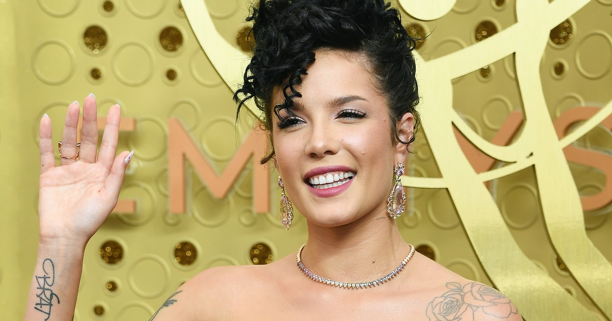Halsey's Naturally Curly Hair Made An Appearance At The 2019 Emmys