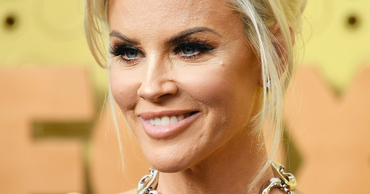 Jenny McCarthy At The Emmys Has Twitter In An Uproar