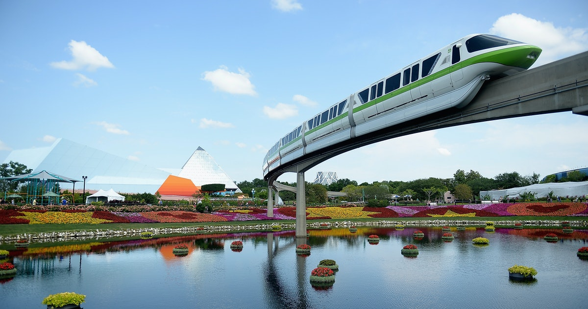 Walt Disney World's Monorail Dining Experience Is A Foodie Fairy Tale
