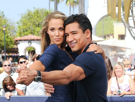 Mario Lopez & Elizabeth Berkley appeared in a first look video on Instagram for the upcoming 'Saved by the Bell' reboot.