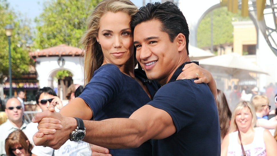 Mario Lopez S Saved By The Bell Reboot First Look Includes