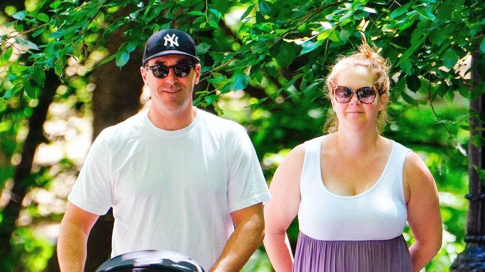Amy Schumer shared two hilarious videos of herself following her IVF egg retrieval.