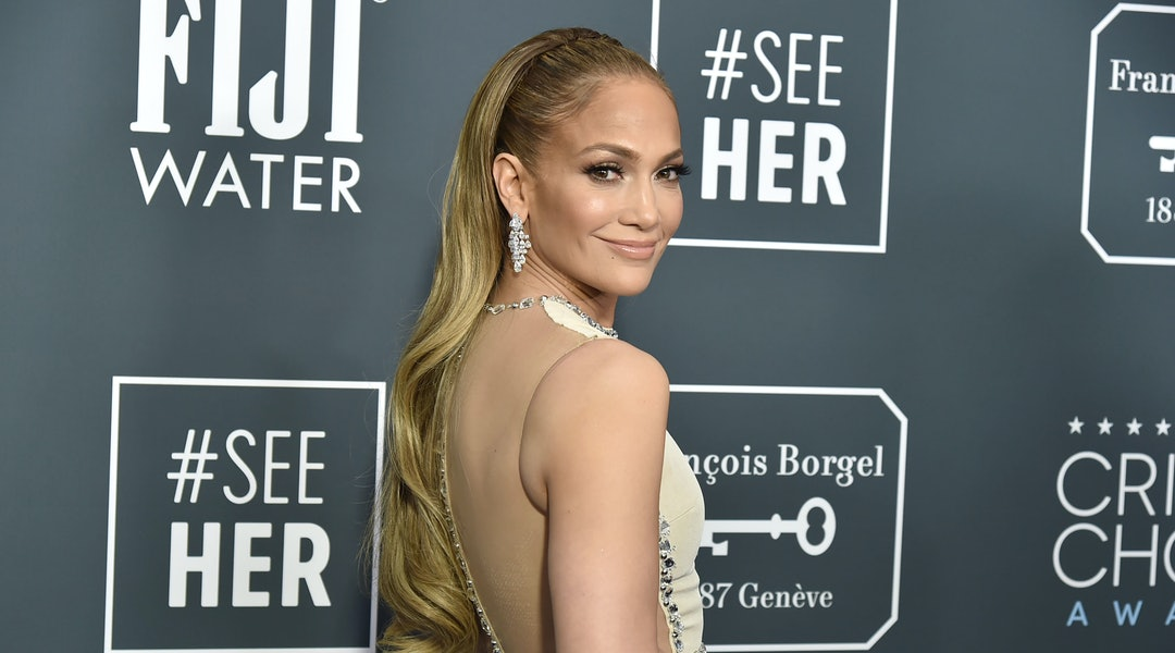 Jennifer Lopez's new ombré french manicure