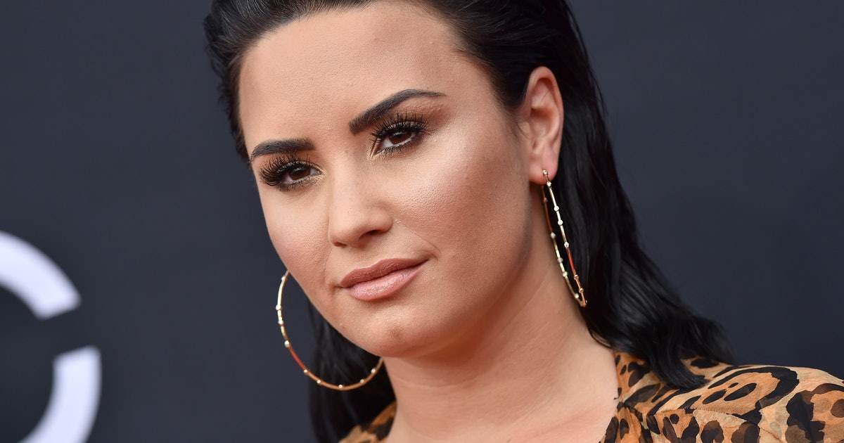 Demi Lovato's Dating History Is Full Of A-Listers & Old Friends