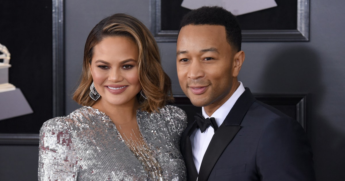 """Chrissy Teigen Is Going To The Grammys & Hopes Critics """"Hate"""" Her Dress"""