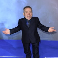 Warwick Davis has a surprising pitch for his Disney+ Star Wars series