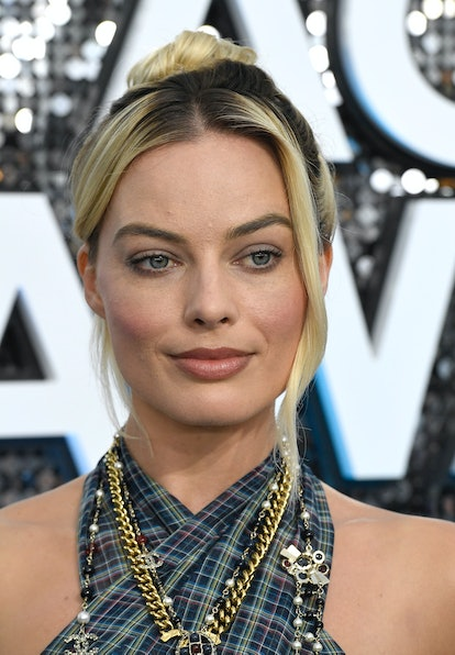 Margot Robbie was one of the top 2020 SAG Awards beauty looks of the night