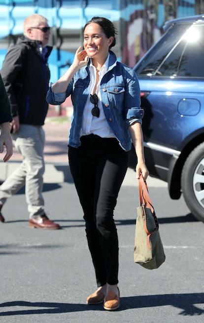 Meghan markle's favorite sunglasses are her Le Specs Bandwagon.