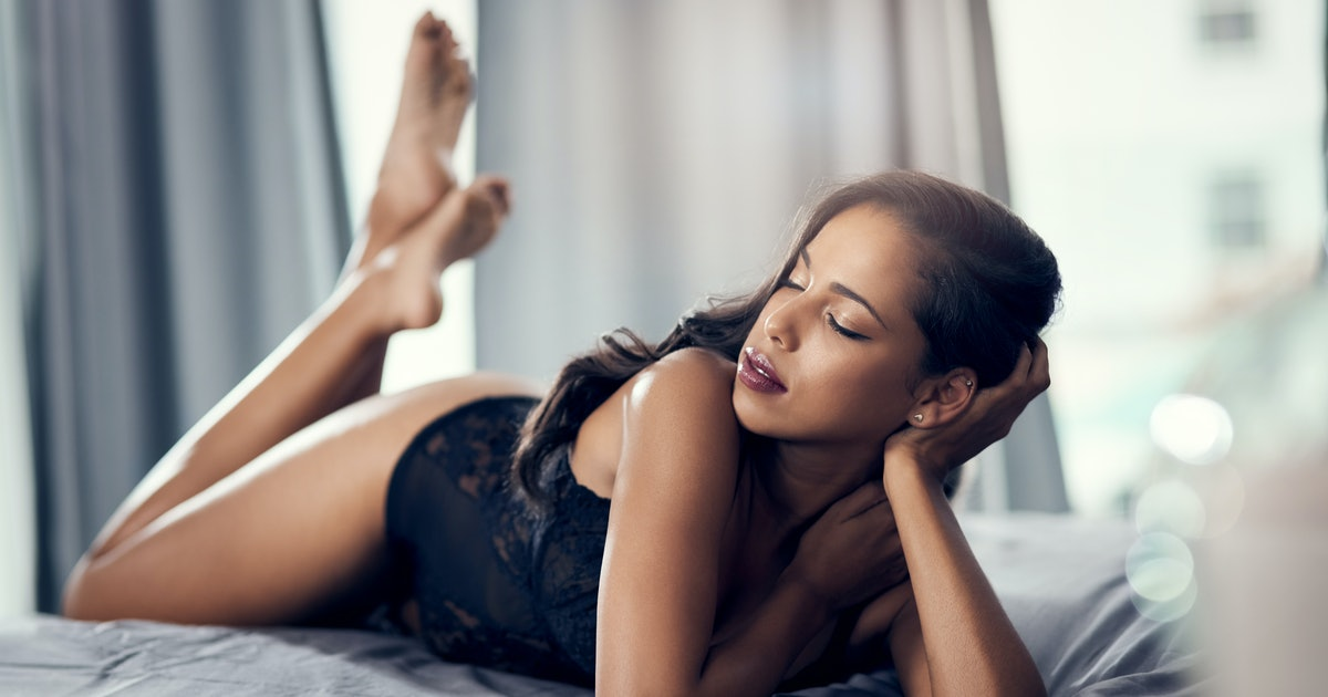 5 Tips To Feel Your Most Confident Before A Hookup