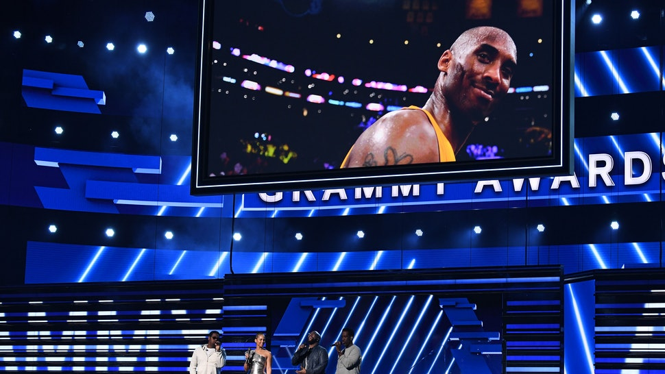 Alicia Keys and Boyz II Men honored Kobe Bryant at the 2020 Grammys.