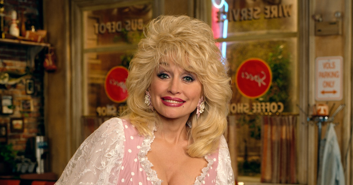 How To Do The Dolly Parton Challenge On Instagram