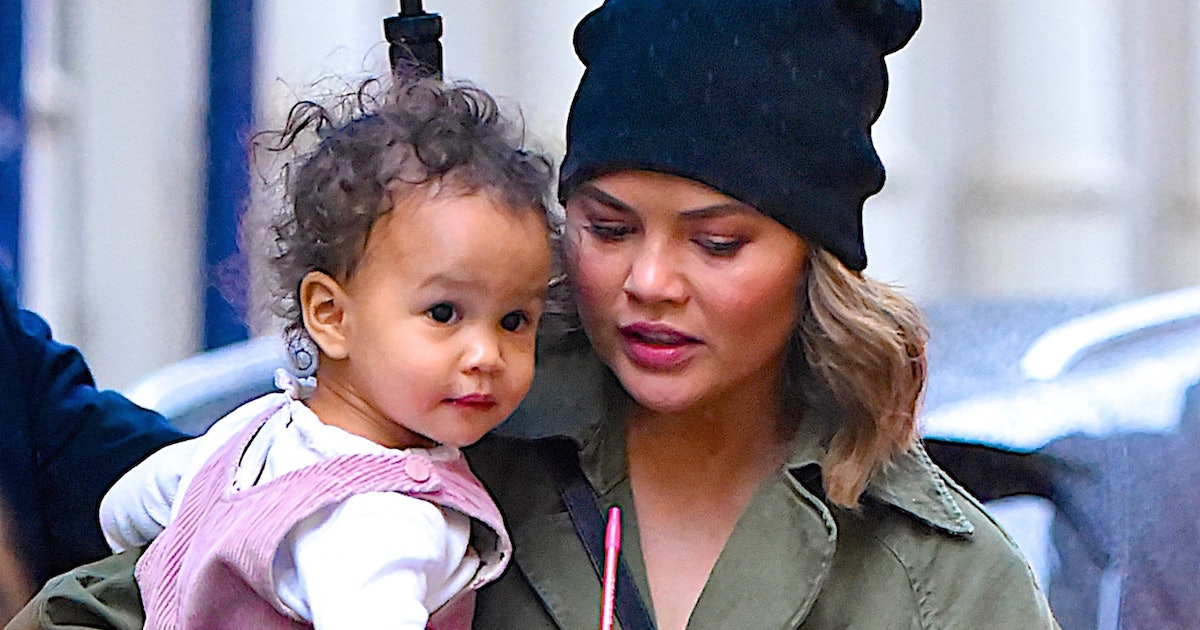 Chrissy Teigen Put On A Play With Luna & Someone Please Make It A Movie