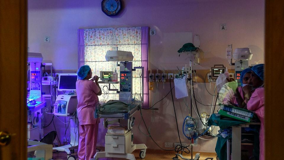 a nicu nurse in the neonatal intensive care unit