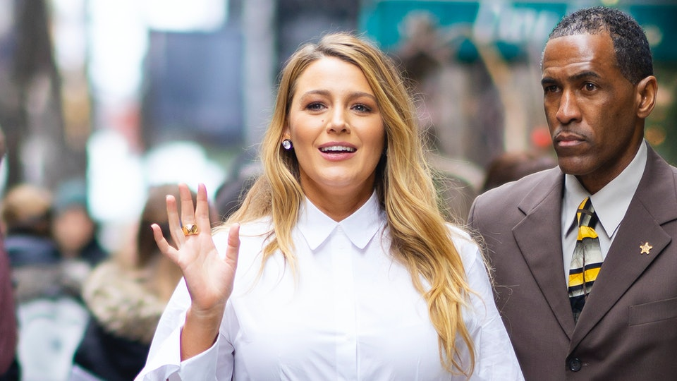 "Blake Lively shared a photo of her breast pump while on tour promoting ""The Rhythm Section"""