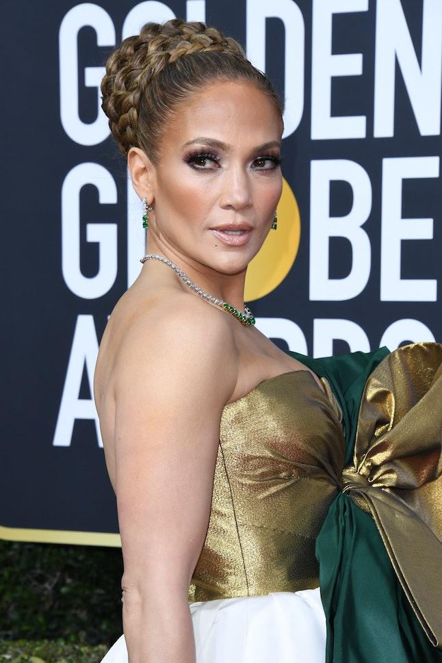 Jennifer Lopez's Golden Globes dress featured a golden bow.